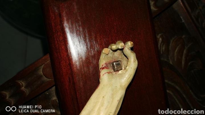 Arte: Antiguo crucifijo en madera policromado siglo XIX - Foto 11 - 109371596