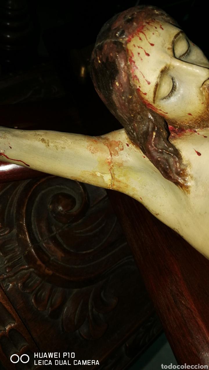 Arte: Antiguo crucifijo en madera policromado siglo XIX - Foto 13 - 109371596