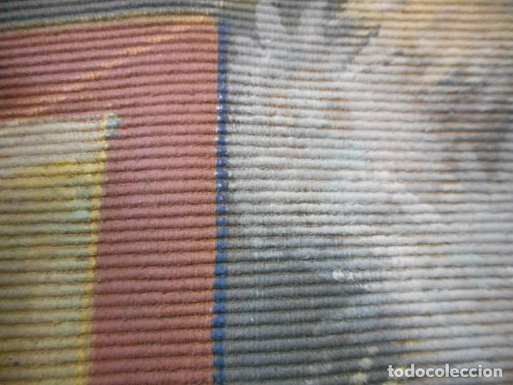 Arte: precioso tapiz sagrada familia representando huida a egipto sin firma creo echo a mano - Foto 8 - 110080447