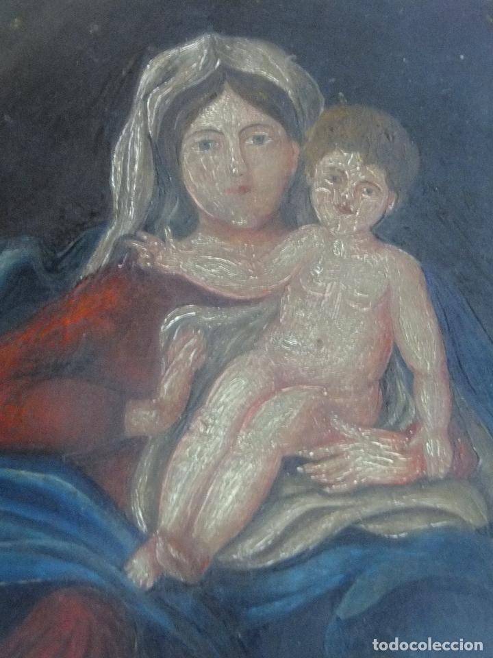 OLEO ANTIGUO SOBRE TABLA VIRGEN CON NIÑO JESUS POPULAR (Arte - Arte Religioso - Pintura Religiosa - Oleo)