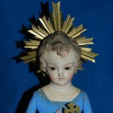 Arte: (M) TALLA DE MADERA NIÑO JESUS S.XIX , 32 CM, CON PEANA 43 CM, BUEN ESTADO DE CONSERVACION. Lote 112220239