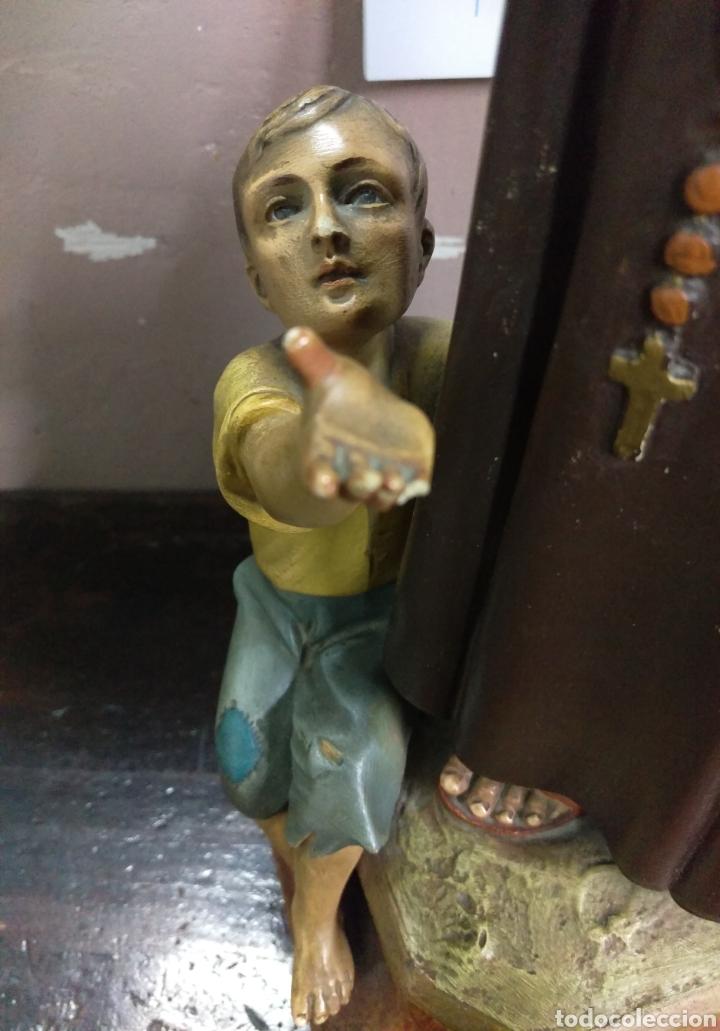 Arte: Excepcional figura de Olot San Antonio dando de comer a los pobres - Foto 10 - 112963903