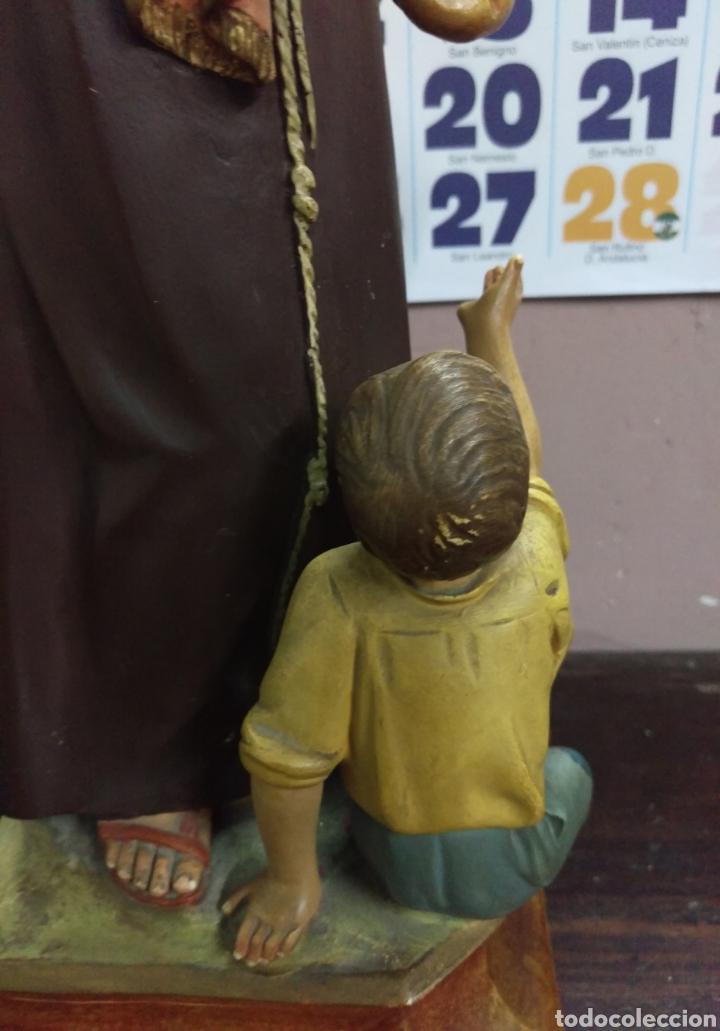 Arte: Excepcional figura de Olot San Antonio dando de comer a los pobres - Foto 11 - 112963903