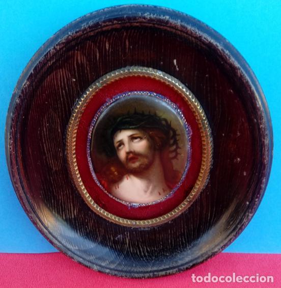 PINTURA AL ÓLEO SOBRE PLACA DE PORCELANA ESMALTADA -ESMALTE- S. XIX. DIM.- 14.5X12.750 CMS. (Arte - Arte Religioso - Pintura Religiosa - Oleo)