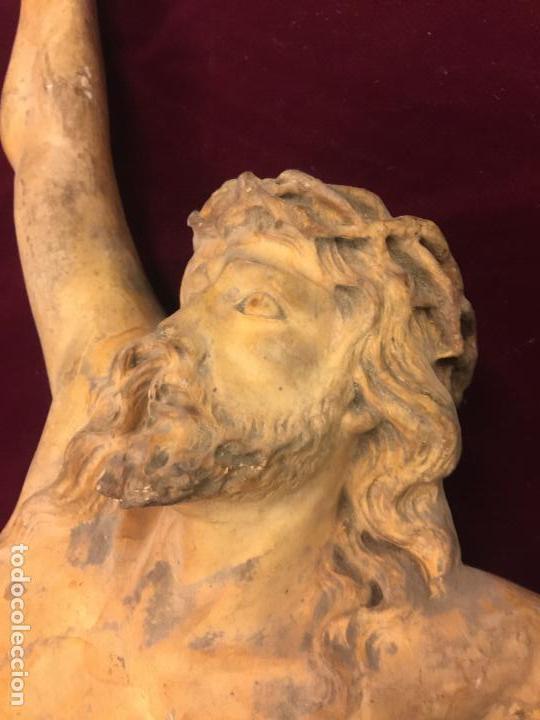 Arte: Enorme antiguo Jesucristo crucificado en estuco, talleres de Olot, mide casi 1metro de altura. Leer. - Foto 3 - 113178959
