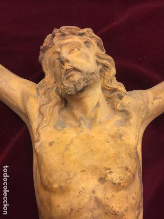 Arte: Enorme antiguo Jesucristo crucificado en estuco, talleres de Olot, mide casi 1metro de altura. Leer. - Foto 8 - 113178959