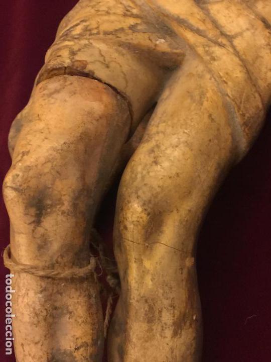 Arte: Enorme antiguo Jesucristo crucificado en estuco, talleres de Olot, mide casi 1metro de altura. Leer. - Foto 11 - 113178959