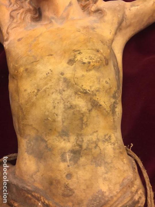 Arte: Enorme antiguo Jesucristo crucificado en estuco, talleres de Olot, mide casi 1metro de altura. Leer. - Foto 13 - 113178959