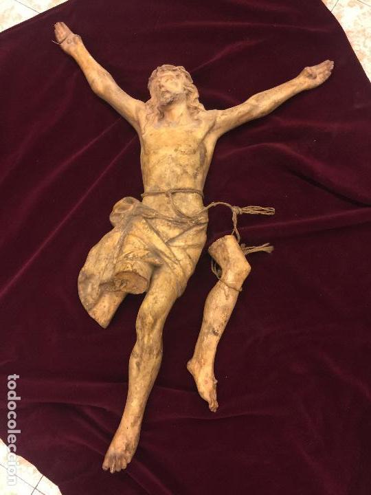 Arte: Enorme antiguo Jesucristo crucificado en estuco, talleres de Olot, mide casi 1metro de altura. Leer. - Foto 17 - 113178959