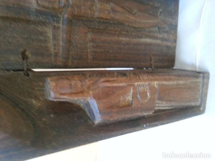 Arte: Talla religiosa tallada en tríptico de madera. Años 50. - Foto 2 - 113268371