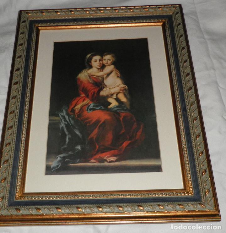 CUADRO DE LA VIRGEN DEL ROSARIO CON EL NIÑO LAMINA TRATADA (Arte - Arte Religioso - Pintura Religiosa - Otros)