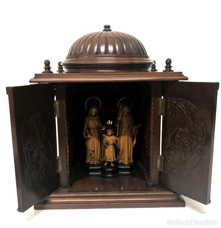 CAPILLA DE LA SAGRADA FAMILIA - TALLA EN CAOBA Y BOJ - J. LANZA - 1948 EXTRAORDINARIA OBRA DE ARTE (Arte - Arte Religioso - Escultura)