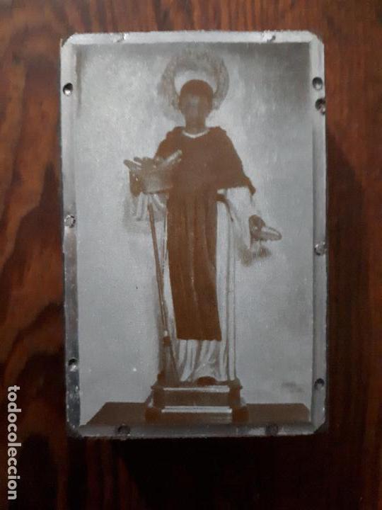 ANTIGUA PLANCHA METALICA SOBRE MADERA PARA IMPRIMIR LA IMAGEN DE SAN MARTIN DE PORRES ECIJA SEVILLA (Arte - Arte Religioso - Grabados)