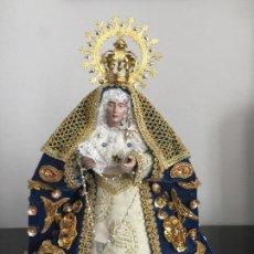 Arte: ESPECTACULAR VIRGEN REALIZADA A MANO , TANTO TALLA COMO LA VESTIMENTA. Lote 114778919