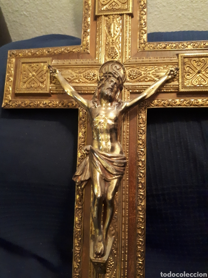 Arte: Gran crucifijo metal tallado y madera principios s XX - Foto 2 - 115644880