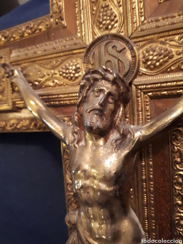Arte: Gran crucifijo metal tallado y madera principios s XX - Foto 3 - 115644880