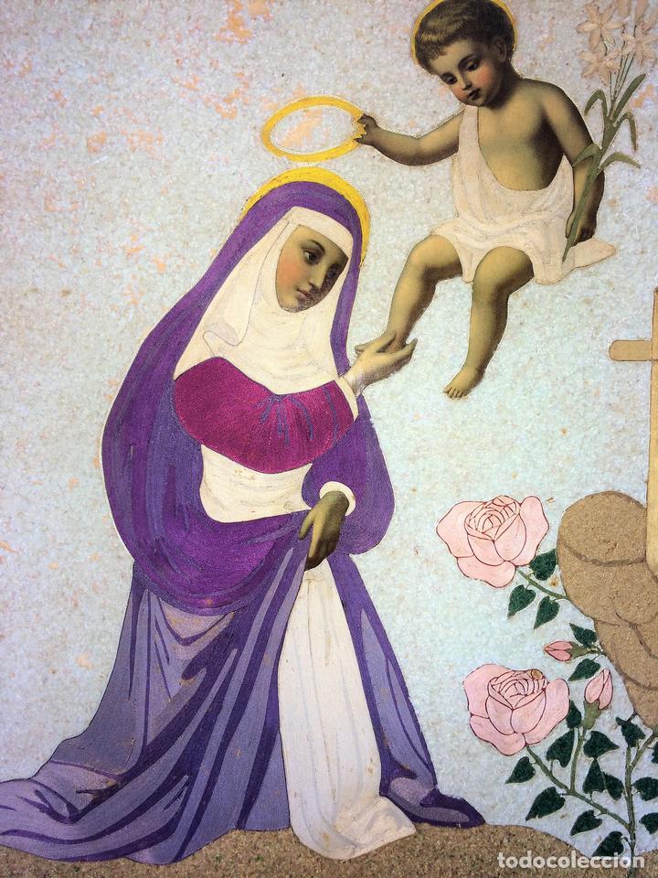 SANTA CORONADA POR NIÑO JESÚS. HILOS DE SEDA. LITOGRAFÍA A COLOR. ESPAÑA. FIN XIX (Arte - Arte Religioso - Litografías)