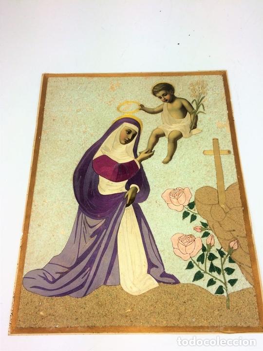 Arte: SANTA CORONADA POR NIÑO JESÚS. HILOS DE SEDA. LITOGRAFÍA A COLOR. ESPAÑA. FIN XIX - Foto 2 - 115711251