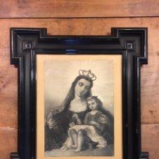 Arte: CUADRO CON LÁMINA ANTIGUA REFLEJANDO LA VIRGEN Y EL NIÑO - GRAN MARCO DECORADO. Lote 116170768
