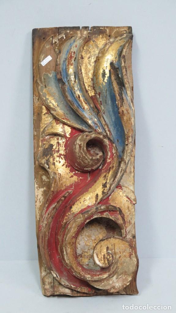 BONITO ROLEO EN ALTORRELIEVE DE MADERA DE RETABLO TALLADA DORADA Y ESTOFADA. SIGLO XVII (Arte - Arte Religioso - Retablos)