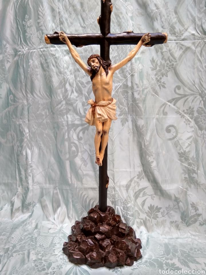 CRISTO CRUCIFICADO, TALLA EN MADERA SIGLO XVIII, ESCUELA ANDALUZA (Arte - Arte Religioso - Escultura)