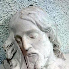 Arte: ANTIGUA ESCAYOLA DEL ESCULTOR NAVARRETE, DE LA CARA DE CRISTO. FIRMADA.. Lote 117293075