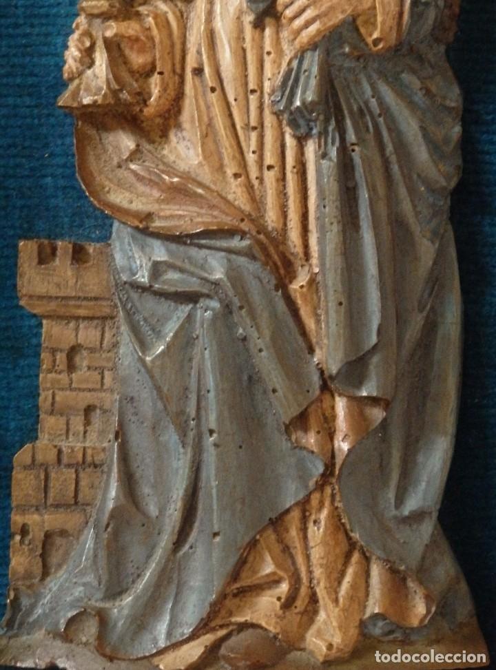 Arte: Santa Bárbara. Relieve en madera tallada y policromada. 17,5 cm. Hacia 1900. - Foto 4 - 117582147