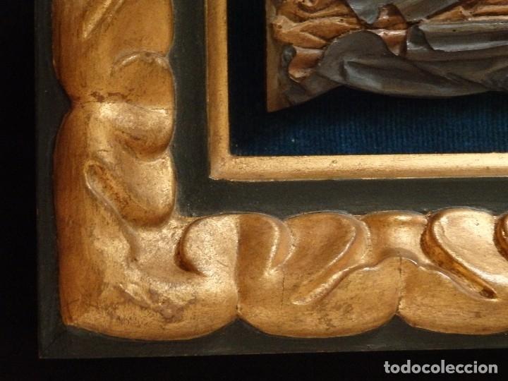 Arte: Santa Bárbara. Relieve en madera tallada y policromada. 17,5 cm. Hacia 1900. - Foto 7 - 117582147