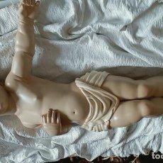 Arte: ESCULTURA NIÑO JESUS DURMIENDO EN MADERA . Lote 117963179