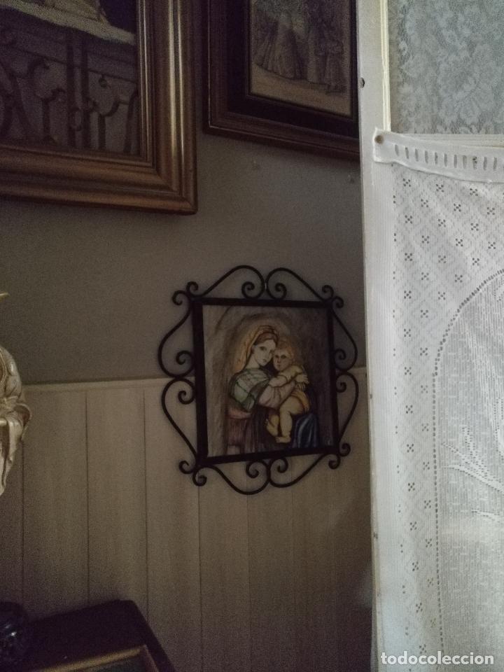 Arte: gran tamaño azulejo retablo religioso ceramica pintado a mano esmaltado forja virgen y niño jesus - Foto 4 - 118698595