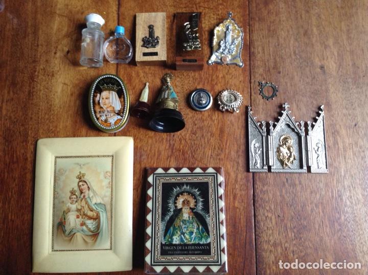 OCHO FIGURITAS DE LA VIRGEN, UN TRÍPTICO METÁLICO Y DOS CUADROS VIRGEN, REGALO (Arte - Arte Religioso - Trípticos)