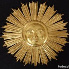 Arte: EL SOL COMO SÍMBOLO DEL CRISTIANISMO EN MADERA TALLADA Y DORADA. 48 CM. SIGLOS XVIII-XIX.. Lote 119043511