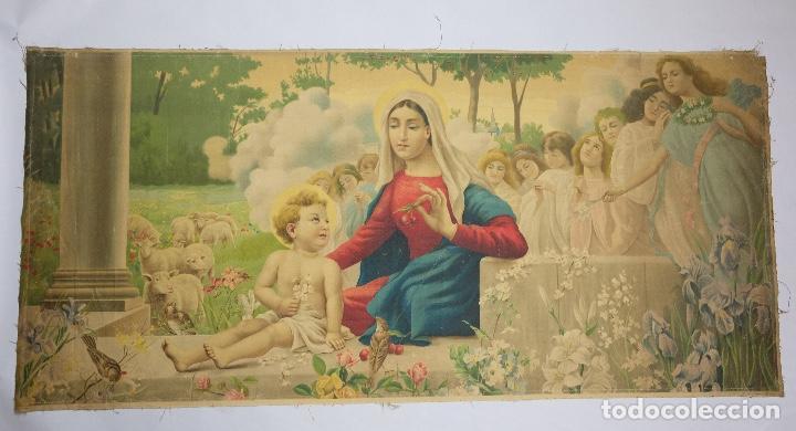 CROMOLITOGRAFÍA RELIGIOSA ANTIGUA SOBRE TELA VIRGEN CON NIÑO PRINCIPIOS SIGLO XX ITALIA (Arte - Arte Religioso - Litografías)