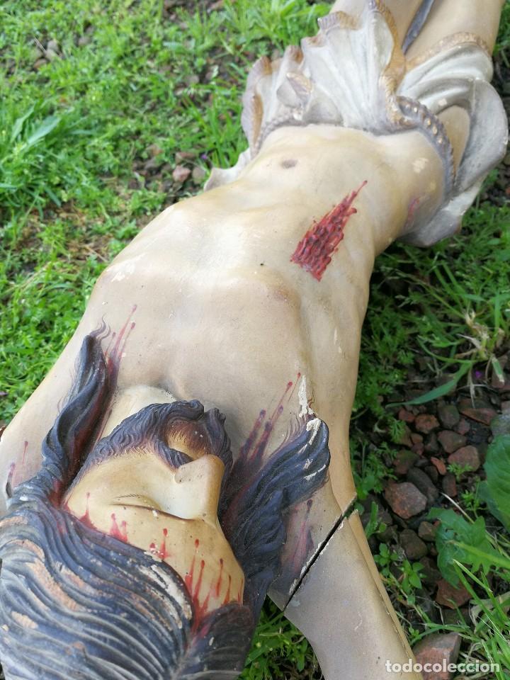Arte: ESPECTACULAR ESCULTURA GRAN TAMAÑO TALLA POLICROMADA MADERA JESUCRISTO EN CRUZ Y PEANA,S.XIX 144X80. - Foto 9 - 119556255