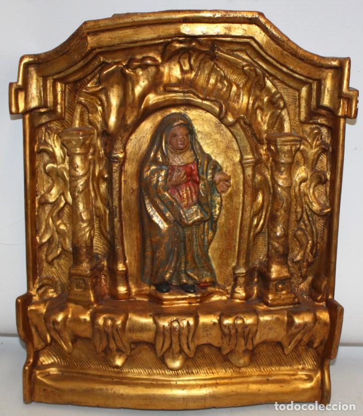 IMPORTANTE RETABLO O PUERTA DE SAGRARIO EN MADERA POLICROMADA DEL SIGLO XVII (Arte - Arte Religioso - Escultura)
