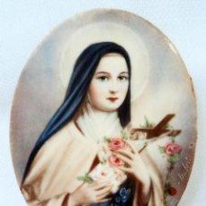 Arte: ANTIGUA PINTURA SOBRE MARFIL VIRGEN SANTA TERESA TERESITA DEL NIÑO JESUS MINIATURA 8,5 CM FIRMADO. Lote 121280291
