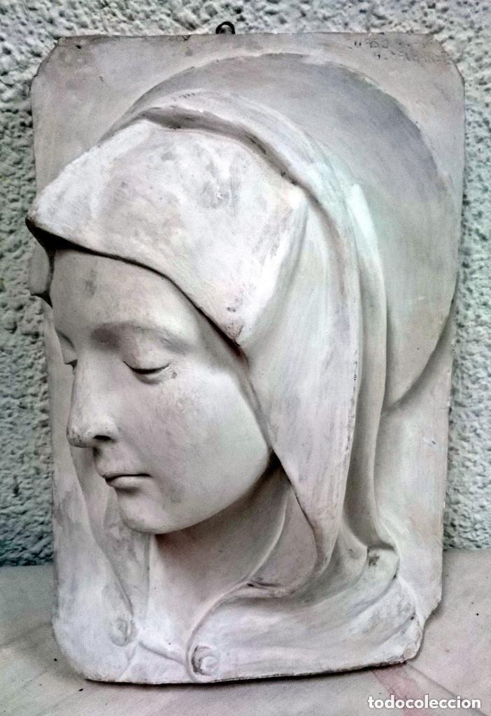 Arte: Espectacular escultura de escayola de la Virgen María. Escultor Navarrete, firmada. 38x26x14cm - Foto 3 - 121323999
