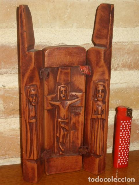 TRIPTICO DE MADERA TALLADA. (Arte - Arte Religioso - Trípticos)