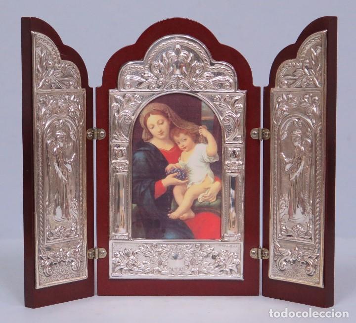 BONITO TRIPTICO DE PLATA 925. CON IMAGEN DE VIRGEN DE LAS UVAS. PIERRE MIGNARD (Arte - Arte Religioso - Trípticos)