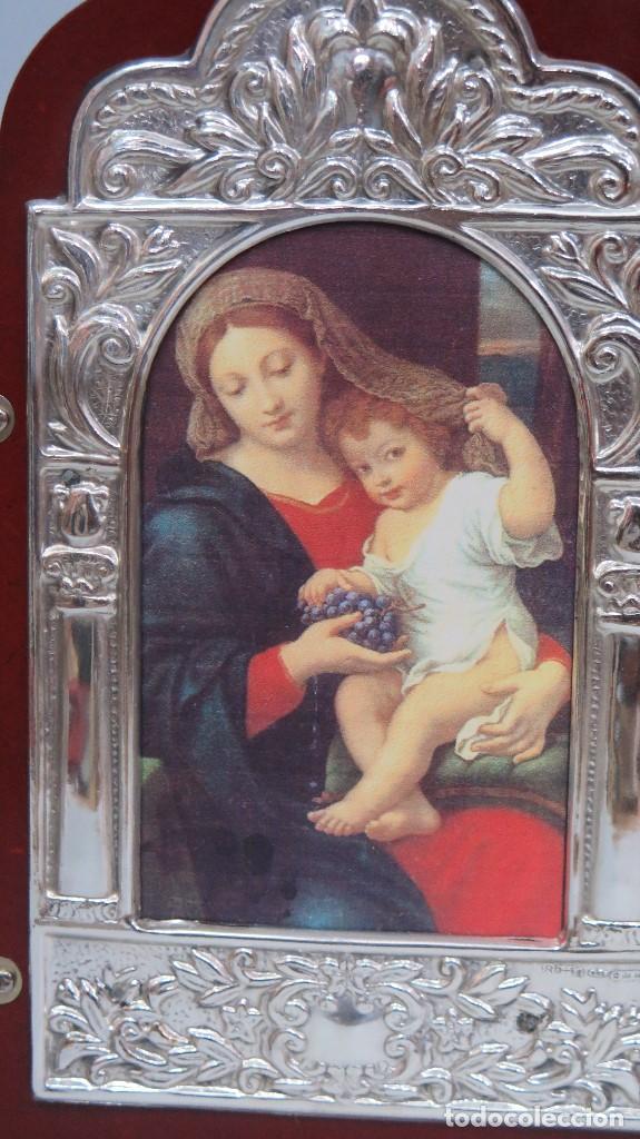 Arte: BONITO TRIPTICO DE PLATA 925. CON IMAGEN DE VIRGEN DE LAS UVAS. Pierre Mignard - Foto 3 - 124514843