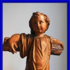 Arte: ANTIGUO NIÑO JESUS EN LA CRUZ OJOS CRISTAL ESTUCADO. Lote 125072663