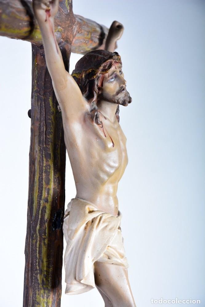 CRISTO EN LA CRUZ CON PEDESTAL - SELLO ARTE CRISTIANO OLOT - CRUCIFIJO ESCULTURA S. XIX (Arte - Arte Religioso - Escultura)