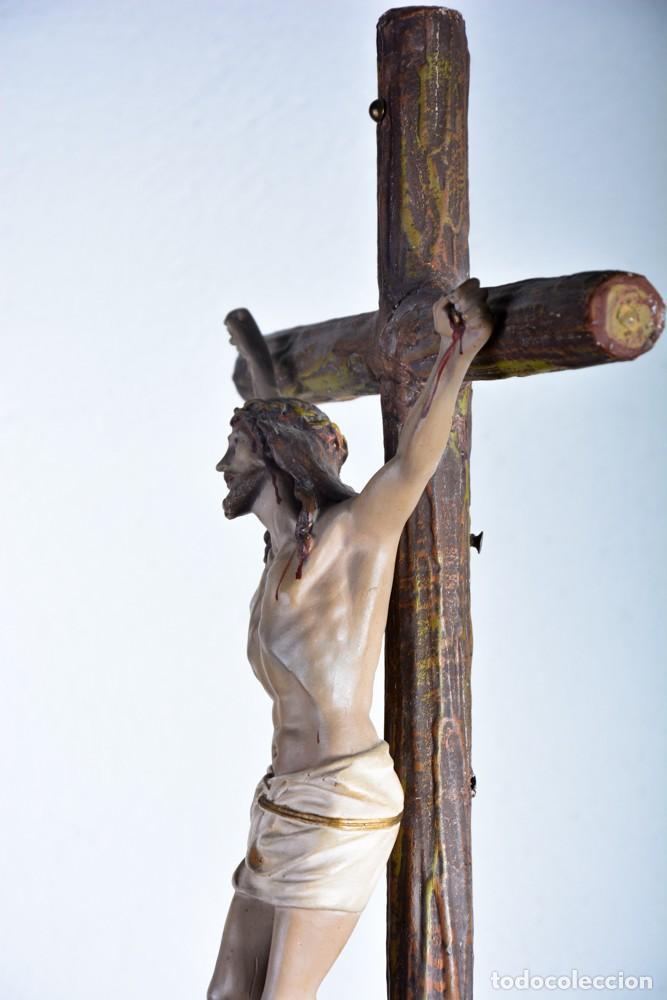 Arte: Cristo en la Cruz con pedestal - Sello Arte Cristiano Olot - Crucifijo escultura s. XIX - Foto 2 - 125730747