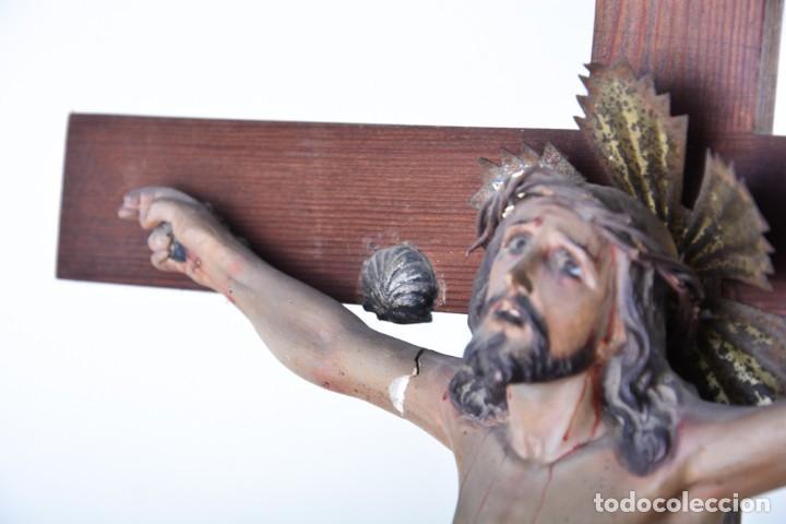 Arte: Crucifijo - Cristo en Cruz - Madera y estuco - Policromado - Marca posible Olot - Foto 7 - 126375503