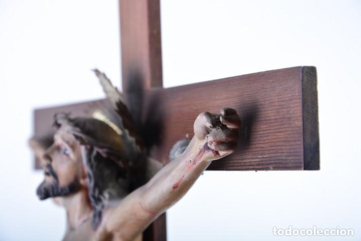 Arte: Crucifijo - Cristo en Cruz - Madera y estuco - Policromado - Marca posible Olot - Foto 8 - 126375503