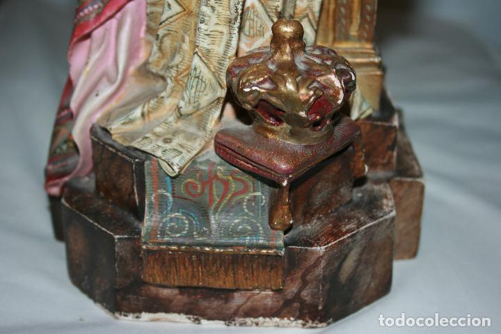 Arte: Cristo Rey entronizado,Sagrado Corazón, decoracíón con dorados, ojos de cristal. 38 x 15 x 14. - Foto 7 - 126405915