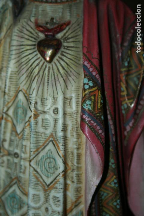 Arte: Cristo Rey entronizado,Sagrado Corazón, decoracíón con dorados, ojos de cristal. 38 x 15 x 14. - Foto 8 - 126405915