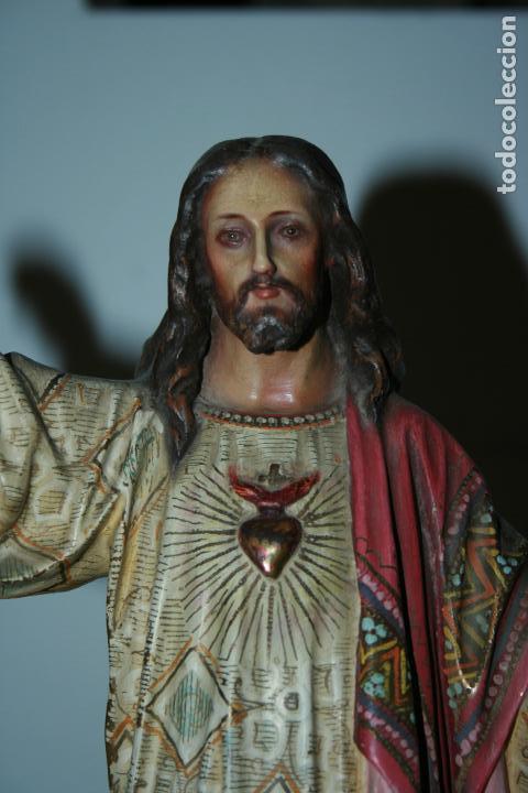 Arte: Cristo Rey entronizado,Sagrado Corazón, decoracíón con dorados, ojos de cristal. 38 x 15 x 14. - Foto 12 - 126405915