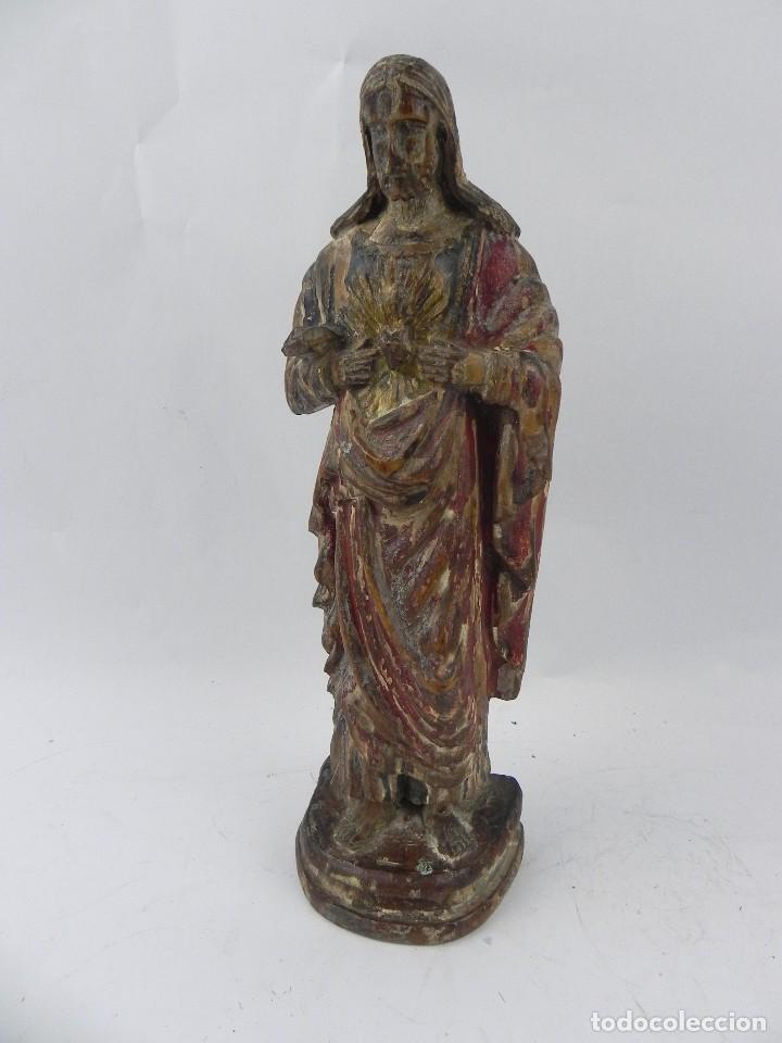 TALLA DE MADERA DEL SAGRADO CORAZÓN DE JESÚS, SIGLO XIX, MIDE 32,5 CMS DE ALTO. TAL Y COMO SE VE EN (Arte - Arte Religioso - Escultura)