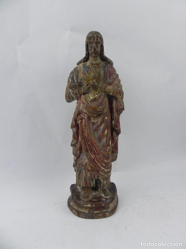 Arte: Talla de madera del Sagrado corazón de Jesús, siglo XIX, Mide 32,5 cms de alto. tal y como se ve en - Foto 2 - 126416591